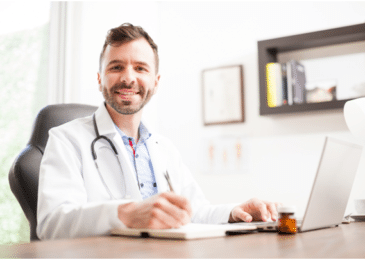 3 Reasons to Get a Healthcare Management Degree ASAP