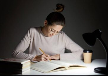 Surviving Last Year at College: 8 Study Tips