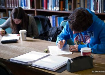 Ten Best Tips For Your Essay Writing. Best Practices to Follow