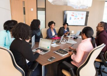 5 Reasons to Use Blended Learning In Corporate Training