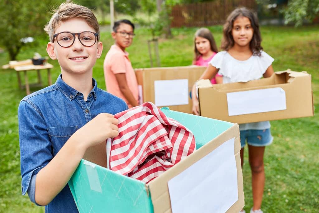 Organize a school auction